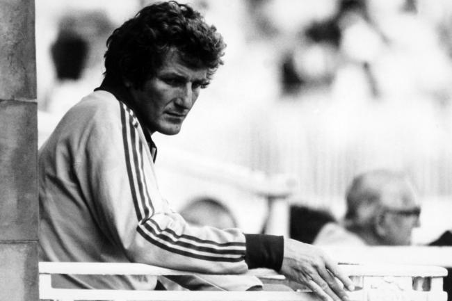 Bob Willis took 325 Test wickets
