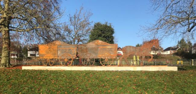 New art sculpture celebrates Purley's rail heritage