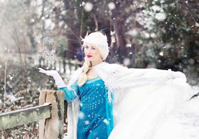 Jessica Kingsley as Elsa. Picture: Anna Pawleta
