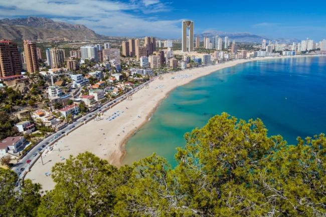 Brits holidaying in Spain will have to quarantine upon return from midnight tonight, according to reports