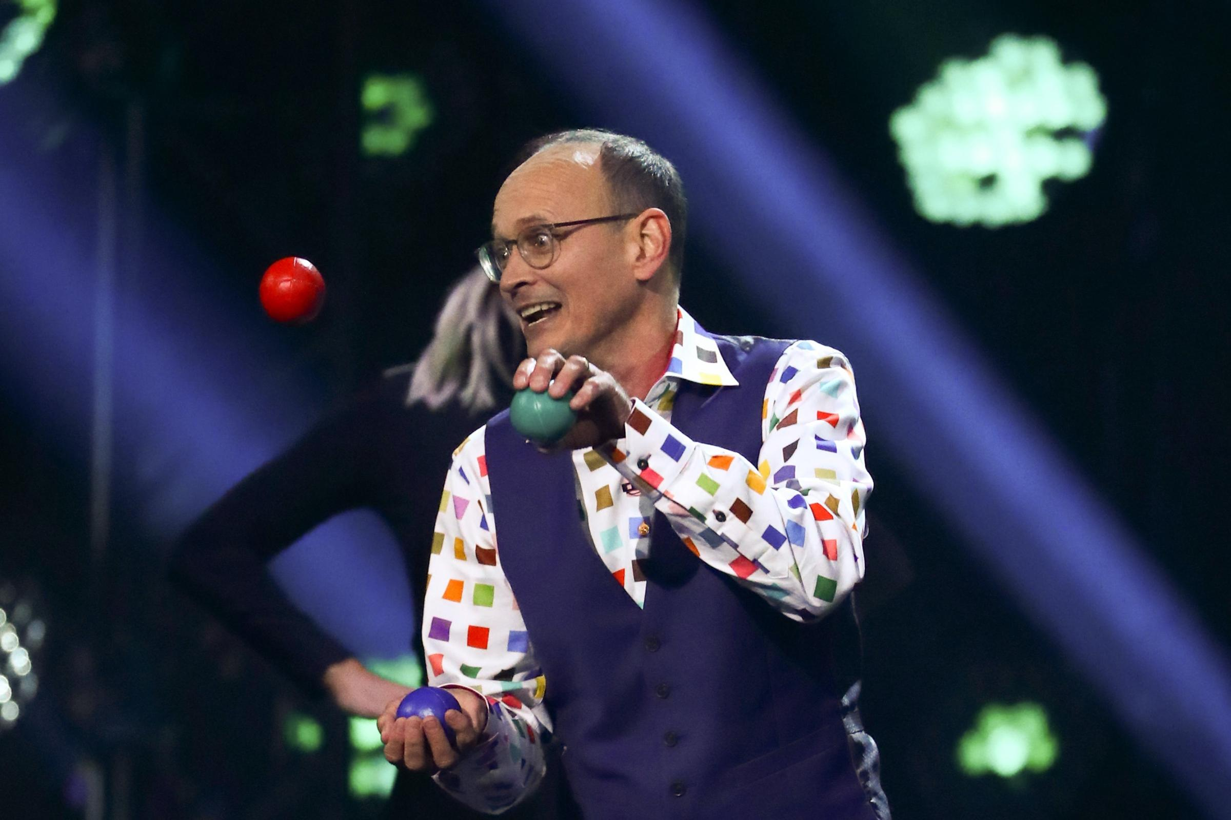Juggling Comedian Wins Place In Final As Britain S Got Talent Returns To Tv Your Local Guardian