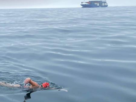 Donna Nicholas, swimming the English Channel