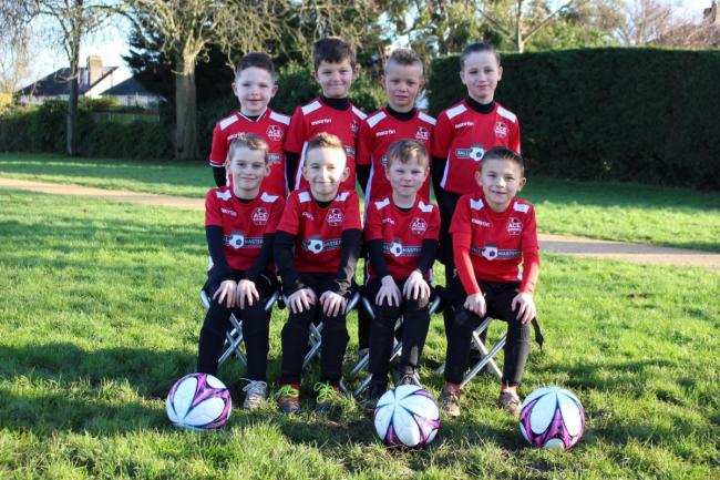 Football Club in Sutton receive a Team Sport Award from UK Power Network