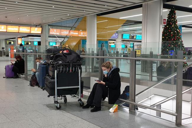 The introduction of new rules requiring travellers to have a negative coronavirus test on arrival in England have been delayed until January 18