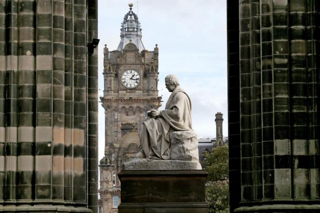 Sir Walter Scott statue
