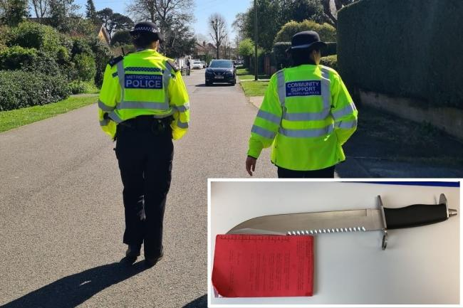 Officers on patrol/knife seized at weekend (Pics - Hampton Police/@MPSHampton and Richmond Police)
