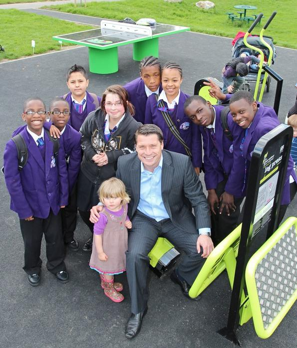 West Ham legend Tony Cottee with children at the gym in Norwood Park