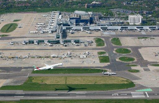 Councillors calling for Balham extension to Gatwick Airport services