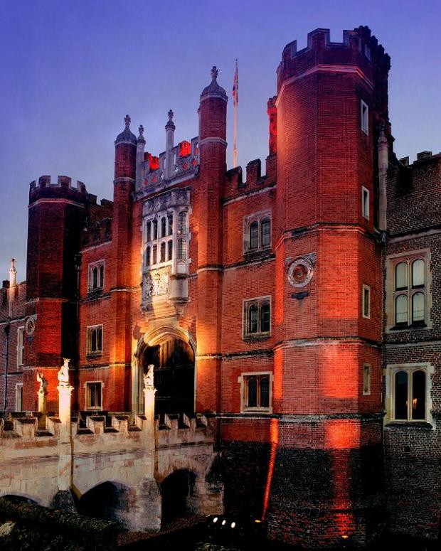 Hampton Court Palace will show the movies