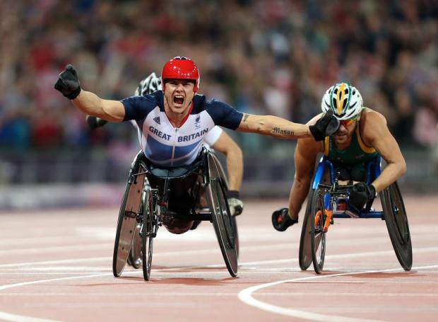 Weir wins Paralympic gold in 5,000m