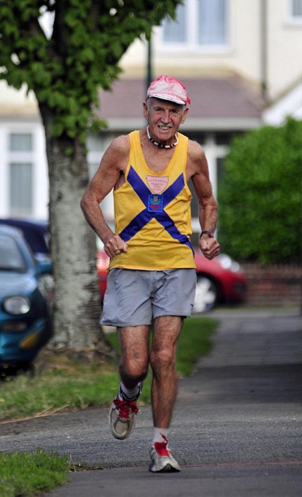 78-year-old ex-alcoholic Robin Wilson completes 425th Marathon