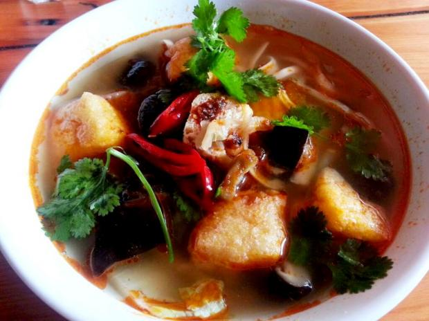 Your Local Guardian: Fried tofu with Chinese mushrooms noodle soup - Mama Lan