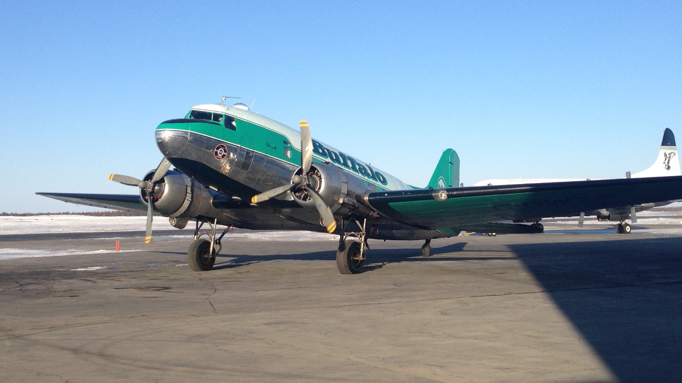C-GWZS comes onto the ramp at YZF