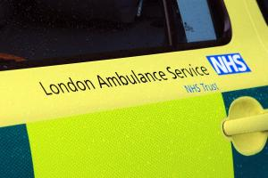 Woman dies while waiting more than an hour for an ambulance