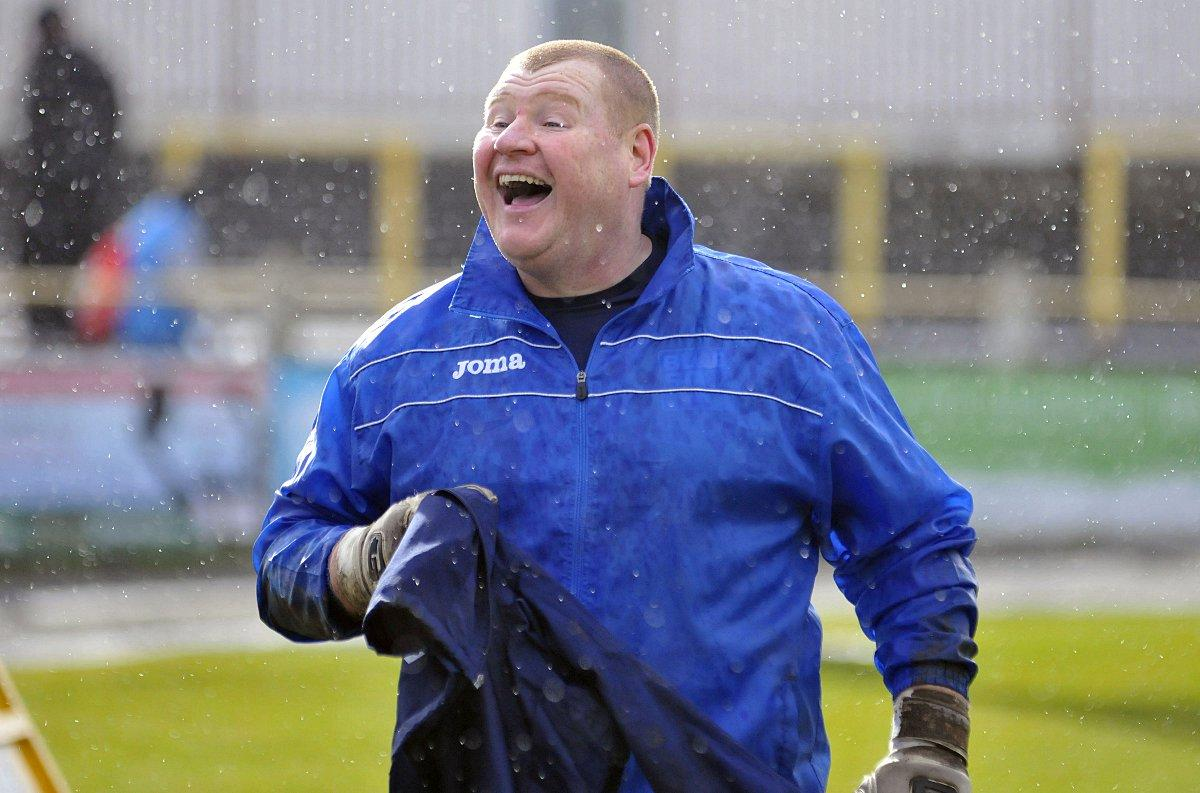 Happy to be back: Wayne Shaw has rejoined Sutton United and his old friend Paul Doswell              SP73063