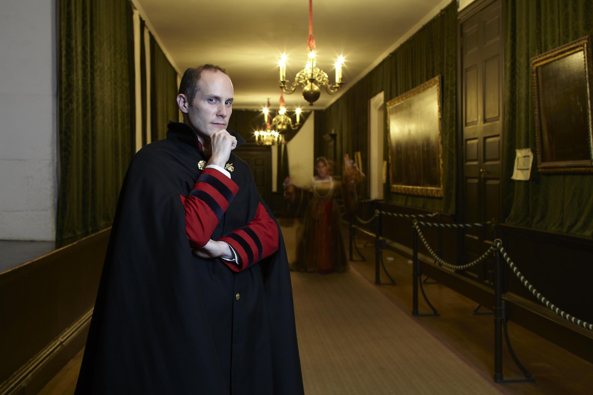 Hasil gambar untuk Hampton Court real halloween