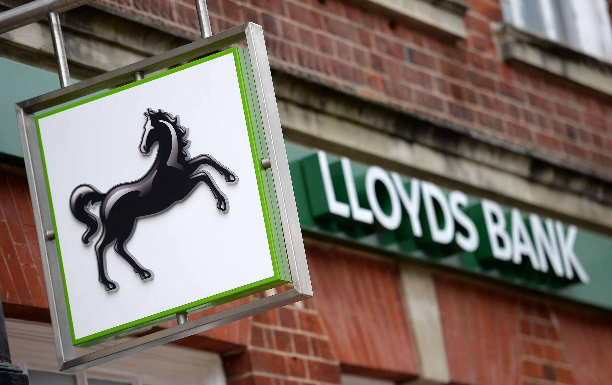 Lloyds Bank looks set to close 200 branches.