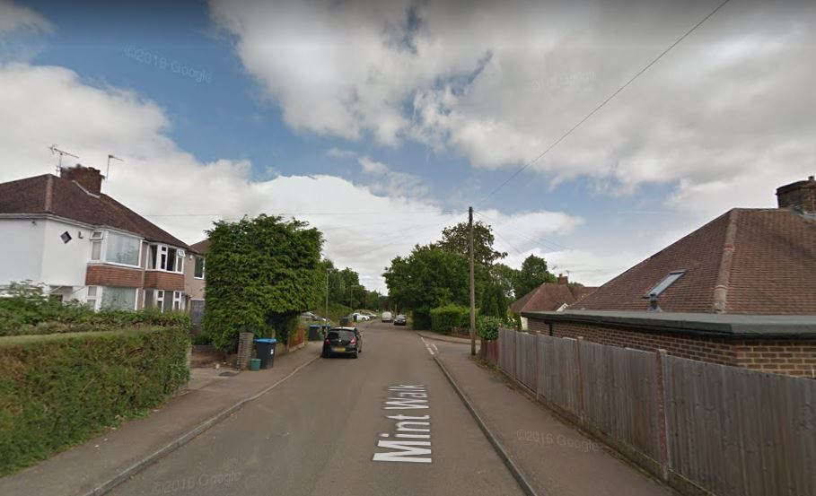 Appeal for witnesses after two men stabbed in Warlingham