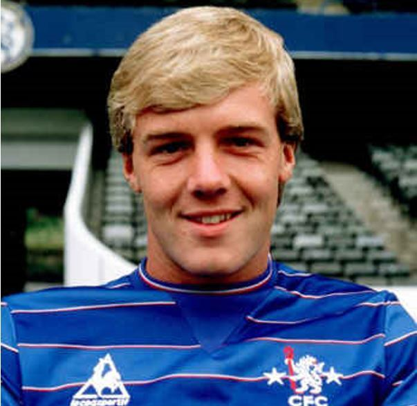 Chelsea legend Kerry Dixon will join other ex-players for a charity game at Spelthorne Sports Club.