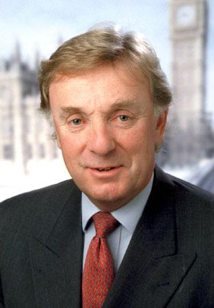 Croydon South MP Richard Ottaway to learn fate tonight at members' meeting